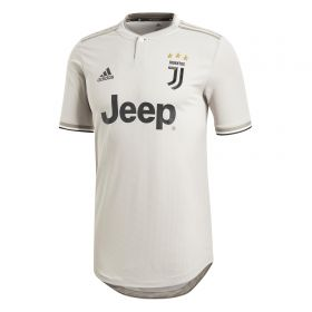 Juventus Away Authentic Shirt 2018-19 with Ronaldo 7 printing