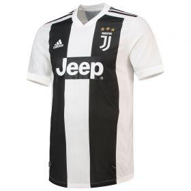 Juventus Home Authentic Shirt 2018-19 with Ronaldo 7 printing