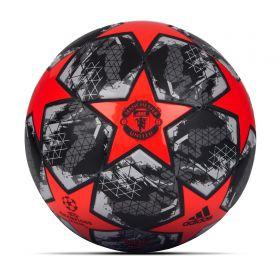 Manchester United Finale Mini Ball - Red