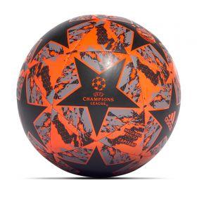 FC Bayern Finale Ball - Black