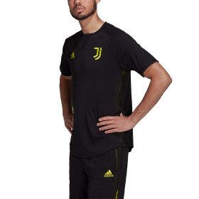 Juventus Travel T-Shirt-Black