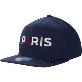 Paris Saint-Germain x Jordan Snapback Cap - Navy