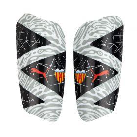 Valencia CF Future 19.2 Shin Pads - Black