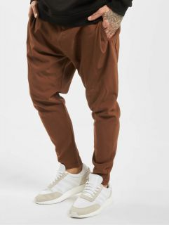 2Y / Chino Luan in brown